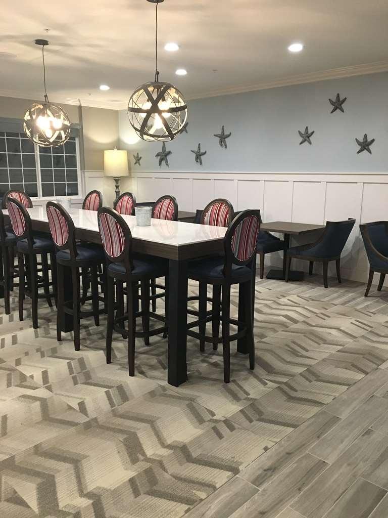Best Western Plus Cameron's Inn - Breakfast Area