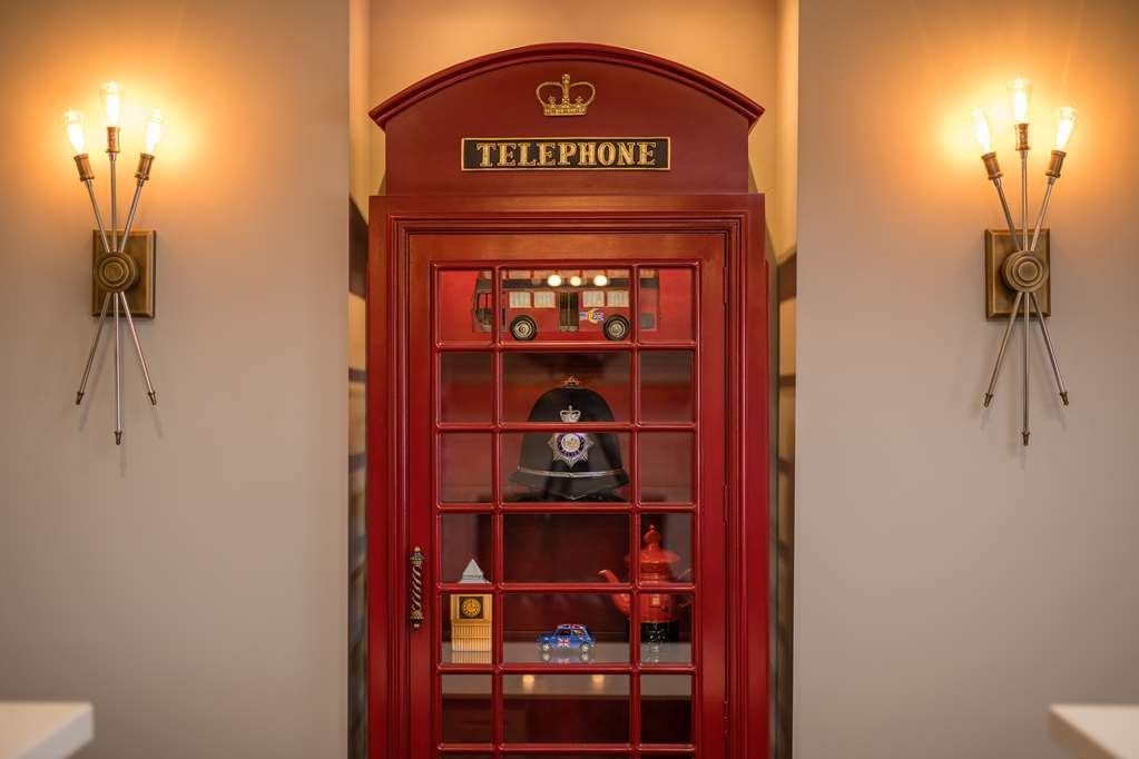 Best Western Plus Cameron's Inn - Front Desk Telephone Booth