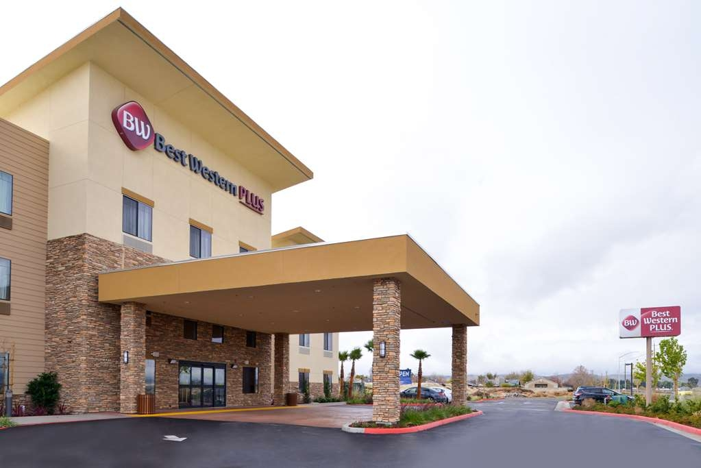 Best Western Plus Coalinga Inn - Vista Exterior
