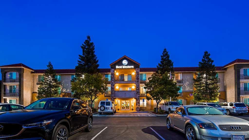 Best Western Visalia Hotel - Aussenansicht