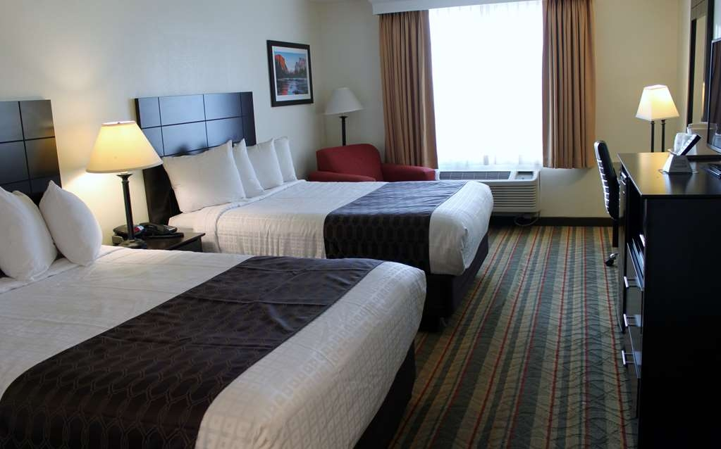 Best Western Visalia Hotel - Room with Two Queen Size Beds