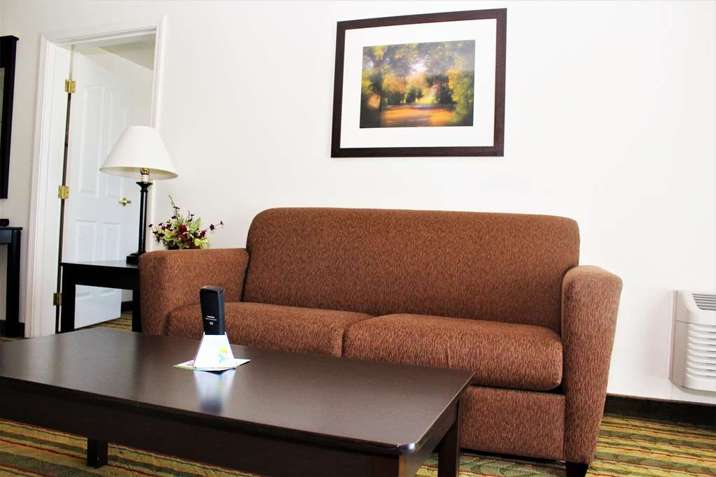 Best Western Visalia Hotel - Business Suite