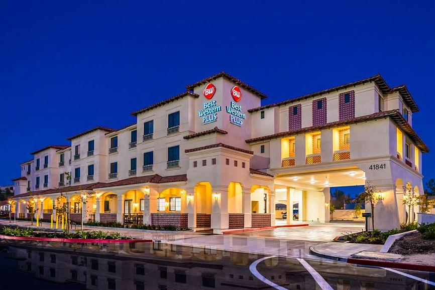 Best Western Plus Temecula Wine Country Hotel & Suites - ExteriorNighttime