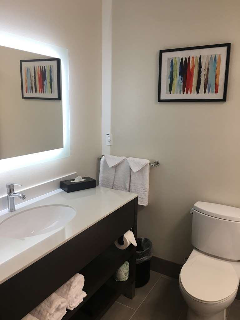 Best Western Plus Commerce Parkway Inn & Suites - Camere / sistemazione