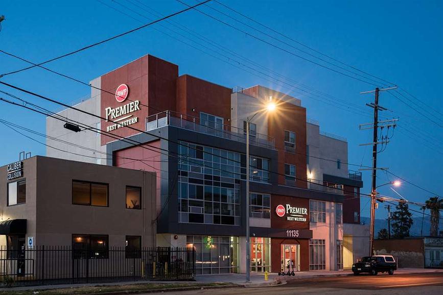 Best Western Premier NOHO Inn - Façade
