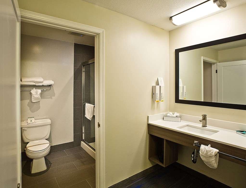 Best Western Crestview Hotel & Suites - Habitaciones/Alojamientos