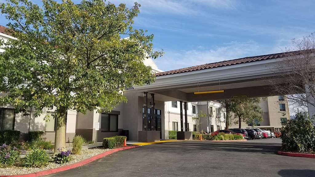 Best Western Valencia/Six Flags Inn & Suites - Best Western Valencia/Six Flags Inn & Suites