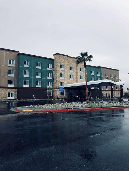 Best Western Plus Desert View Inn & Suites - Aussenansicht