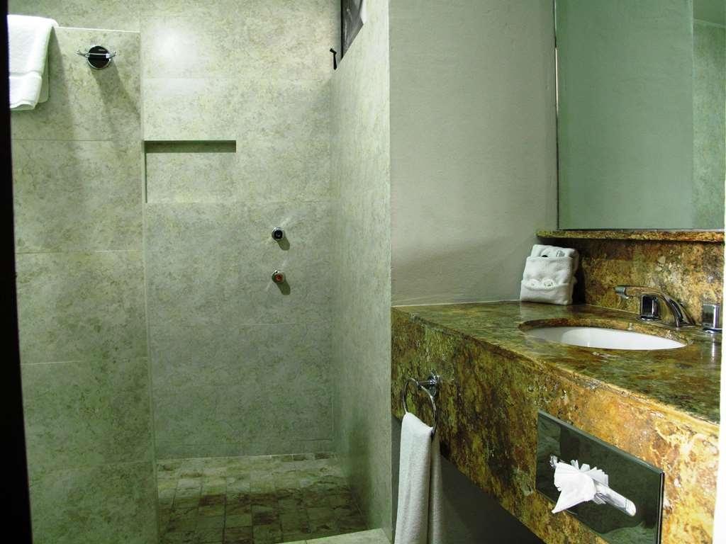 SureStay Hotel by Best Western Palmareca - Bathroom