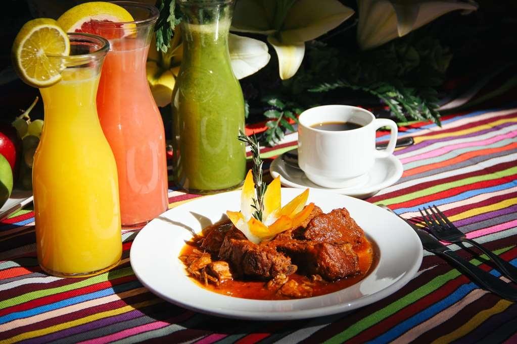 SureStay Hotel by Best Western Palmareca - Local food