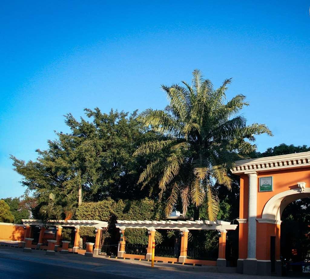 SureStay Hotel by Best Western Palmareca - Außenansicht
