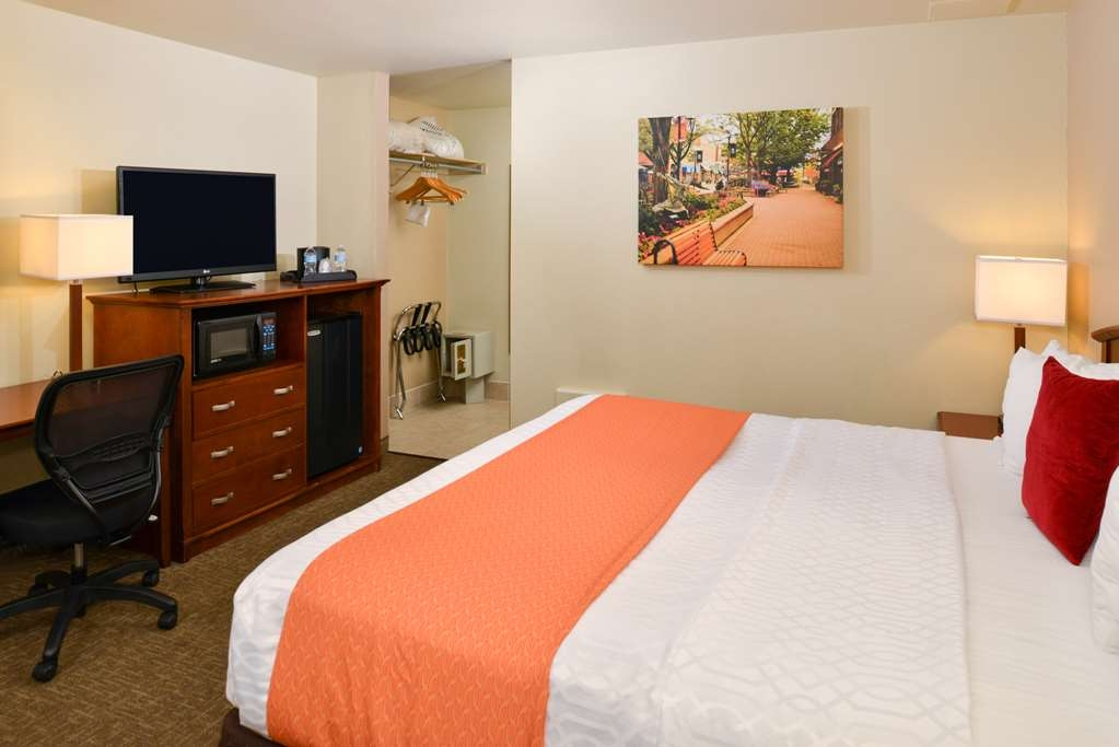 Best Western University Inn - Standard King Guest Room