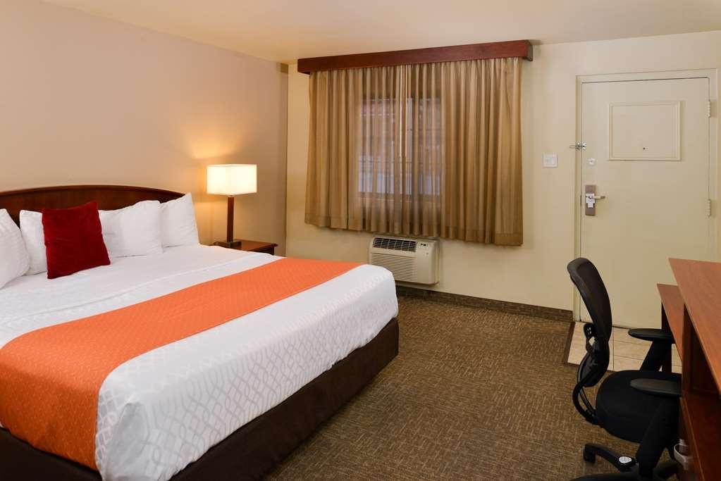 Best Western University Inn - Chambre avec lit king size standard