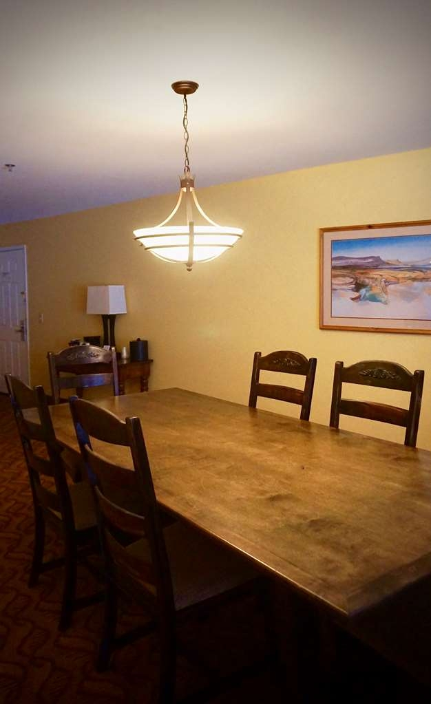 Best Western Durango Inn & Suites - Sit down and play a game or enjoy some family time in this two room king suite.