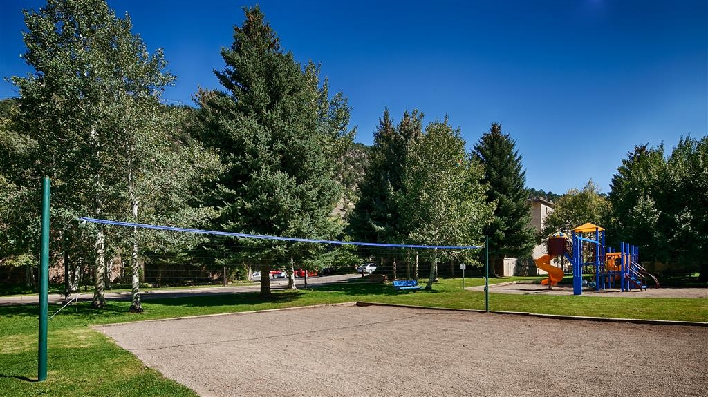 Best Western Antlers - Enjoy the Colorado outdoors with sand volleyball and a playground for the kids.