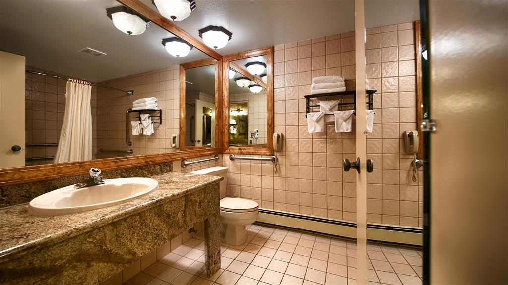 Best Western Antlers - Most of our guest bathrooms have an extra vanity and lots of space for your essentials.