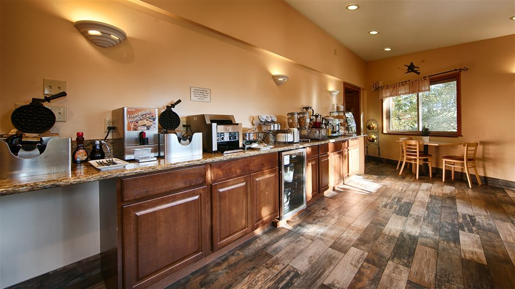 Best Western Ptarmigan Lodge - Salle de petit déjeuner