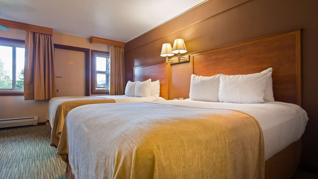 Best Western Ptarmigan Lodge - The whole family can fit in our rooms.