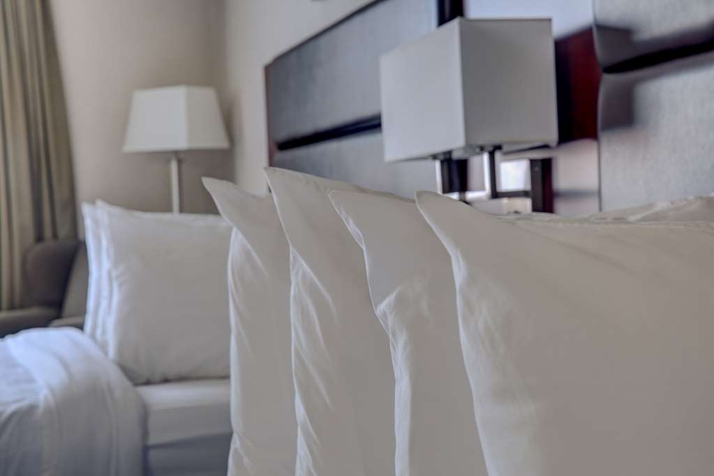 Best Western Plus City Centre Inn - habitación de huéspedes