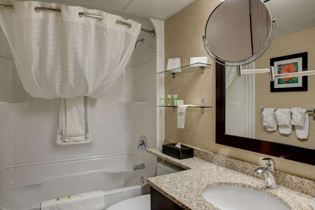 Best Western Plus City Centre Inn - Baño