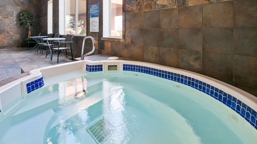 Best Western Plus City Centre Inn - Vista de la piscina