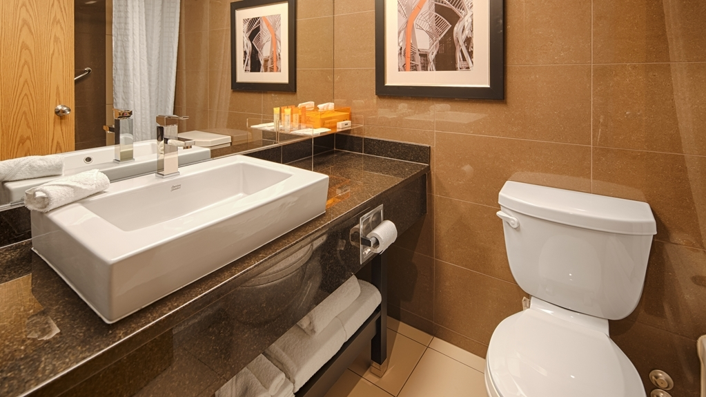 Best Western Plus Village Park Inn - Salle de bain