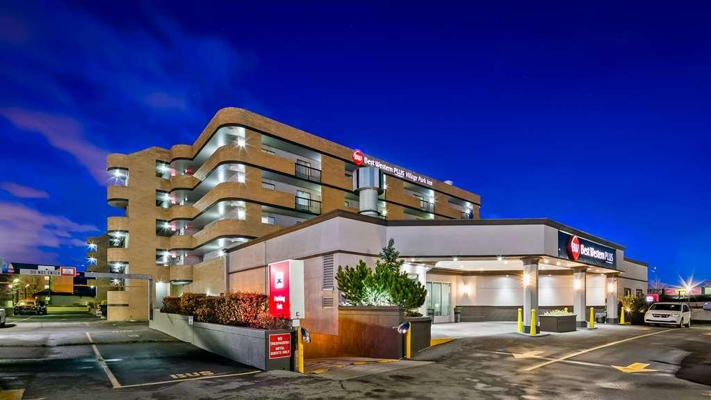 Best Western Plus Village Park Inn - Facciata dell'albergo