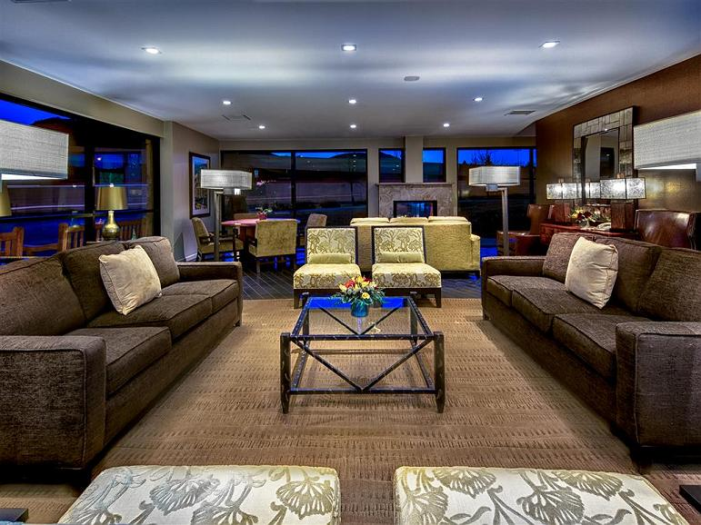 Best Western Plus Boulder Inn - The elegantly designed lobby offers guests and visitors a relaxing and rejuvenating escape.