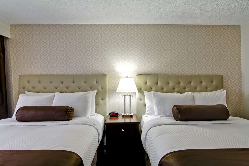 Best Western Cedar Park Inn - Traveling with friends or family? Book our two queen beds guest room, which offers plenty of space for you and your company.