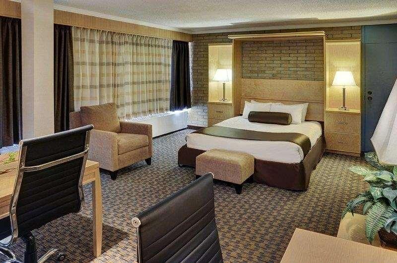 Best Western Cedar Park Inn - Queen Murphy with Meeting Space