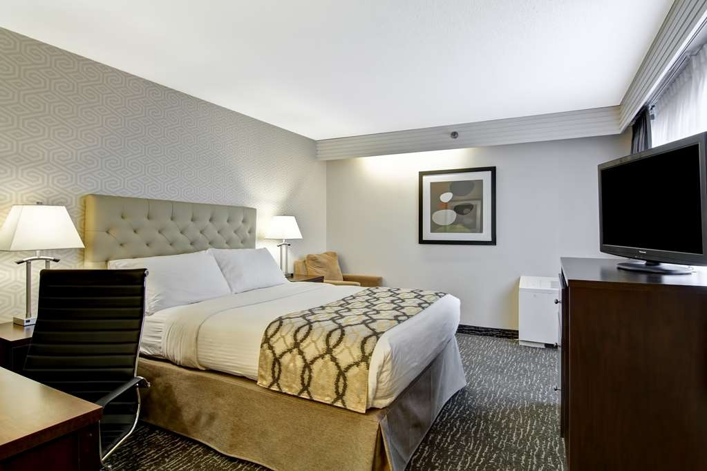 Best Western Cedar Park Inn - Queen Bed Guest Room with Balcony