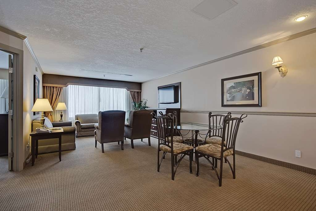 Best Western Plus Port O'Call Hotel - Suite
