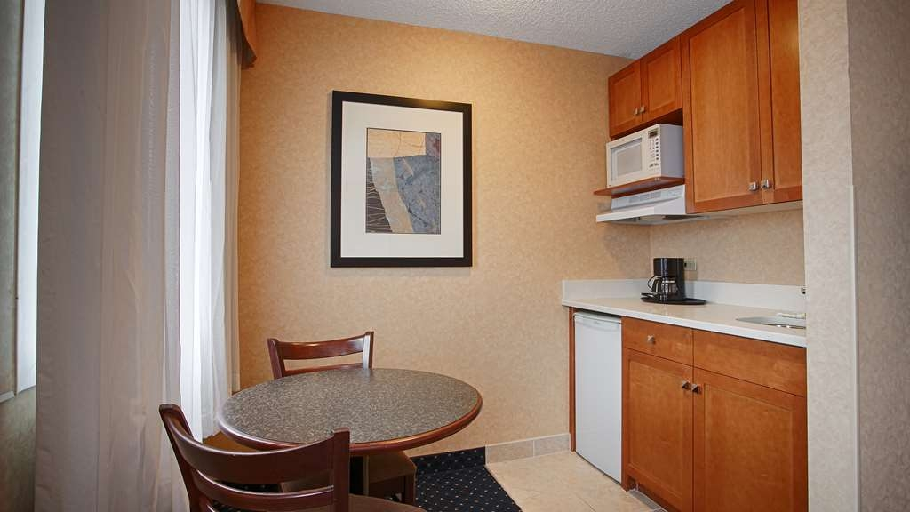 Best Western Plus Suites Downtown - 77% of our rooms come complete with kitchenettes for that home away from home feel.