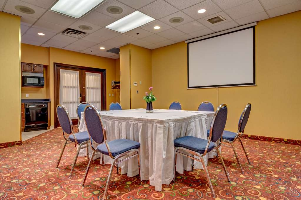 Best Western Plus Suites Downtown - Our Stampede meeting room can accommodate up to 25 guests.
