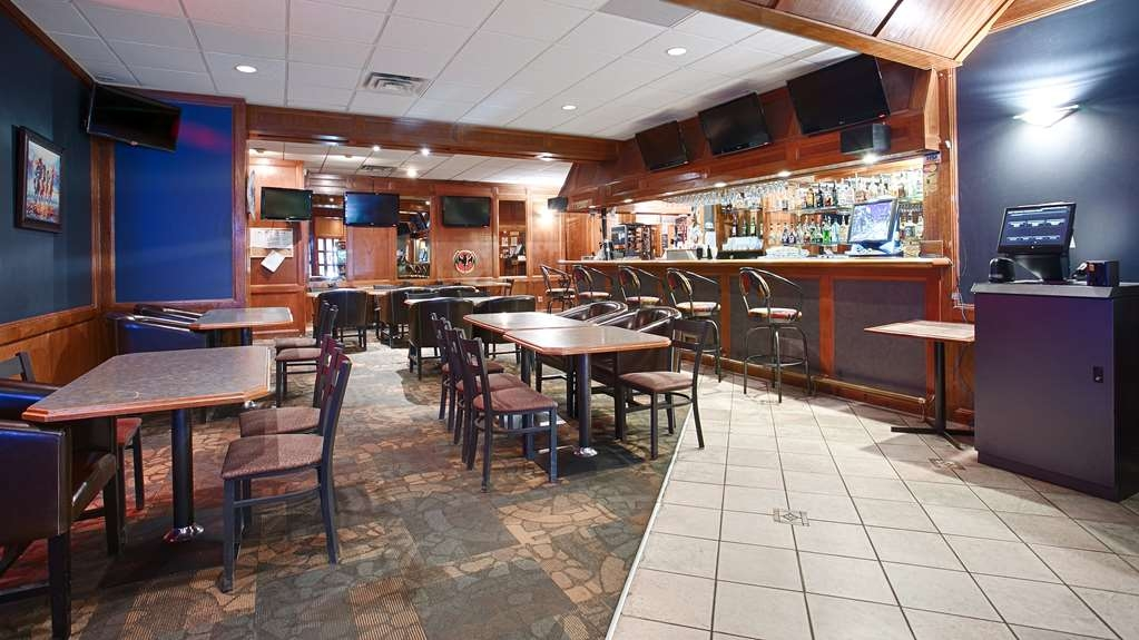 Best Western Airdrie - Bar/Lounge