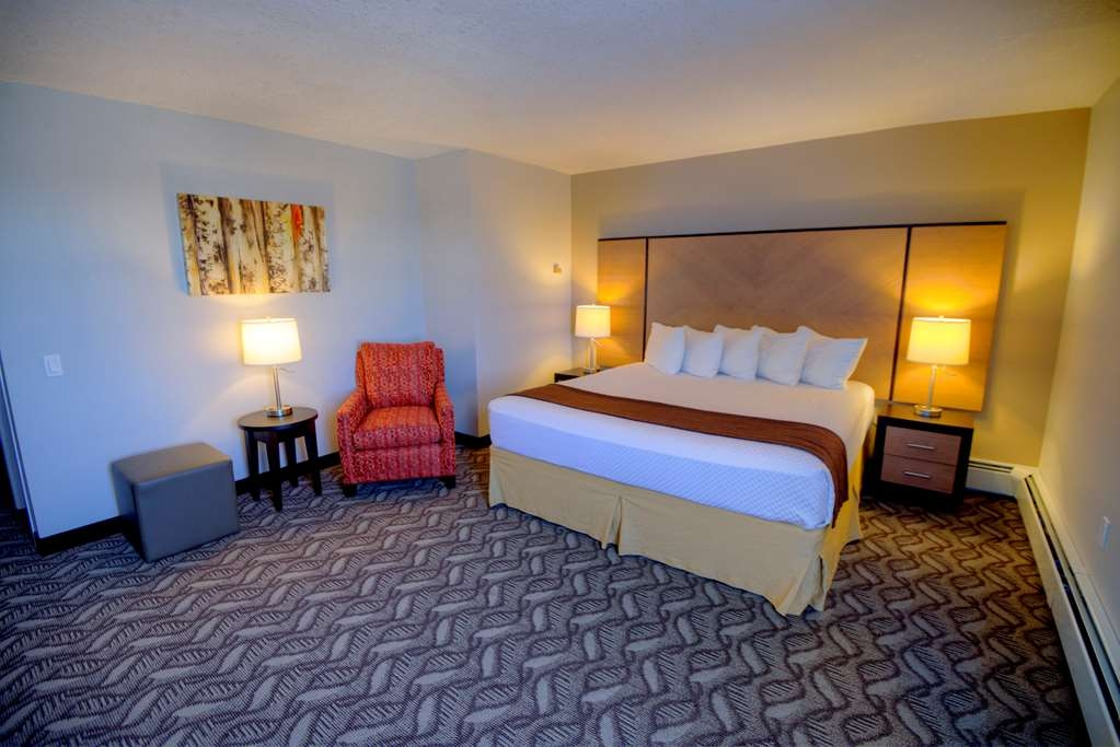 Best Western Airdrie - King Bed Guest Room