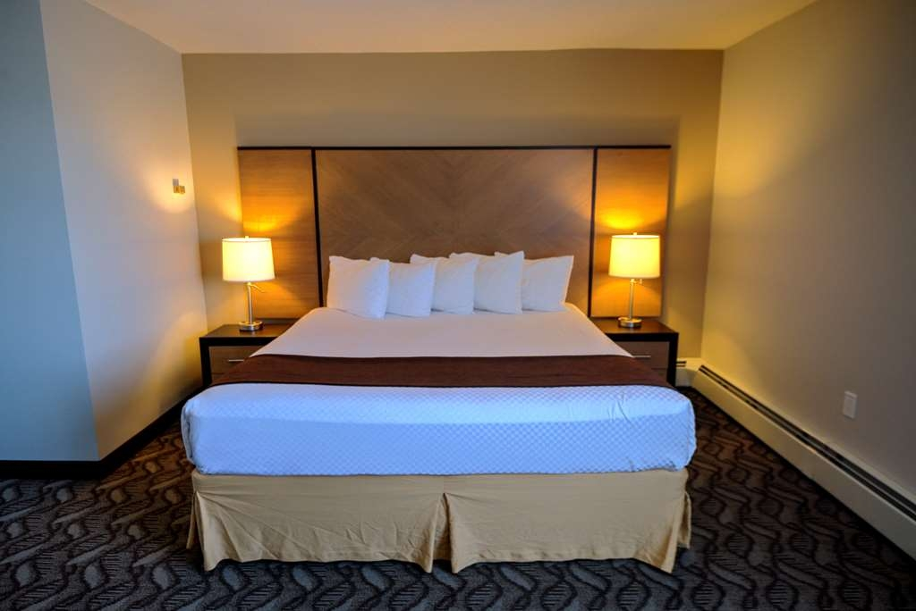 Best Western Airdrie - All guest rooms are newly renovated and offer new and comfortable sitting areas. Relax and enjoy a cup of coffee or tea.