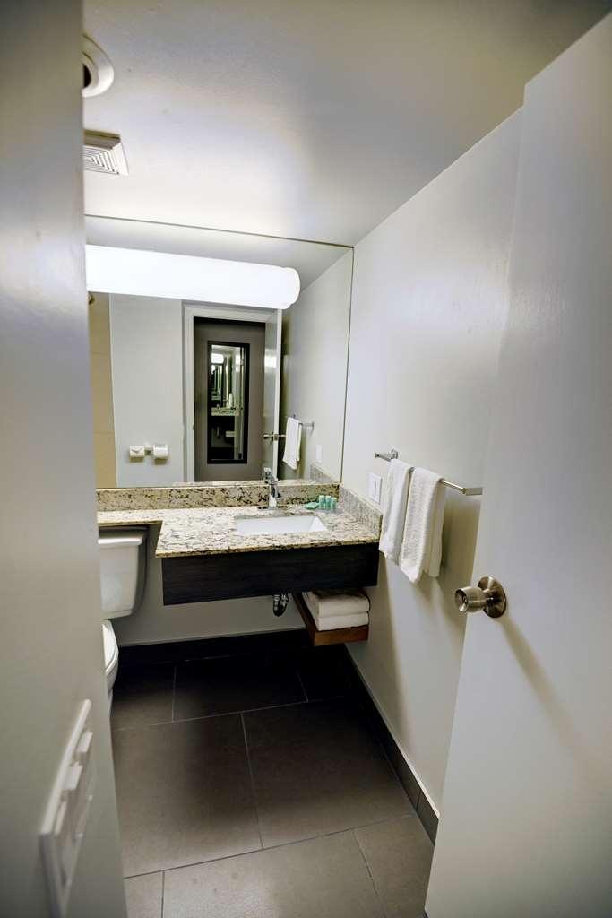 Best Western Airdrie - Badezimmer