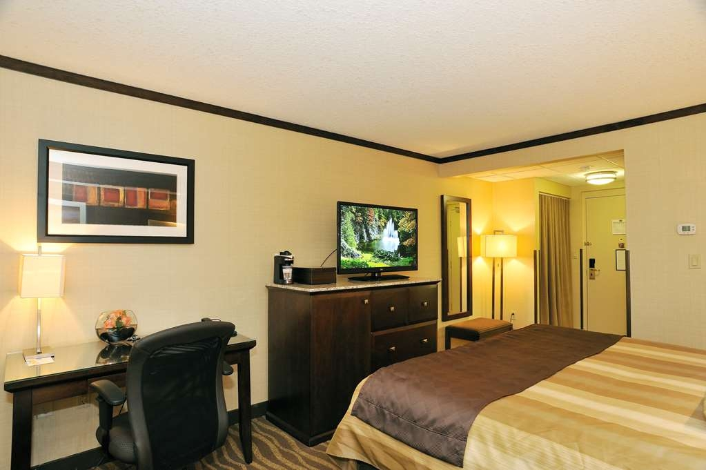 Best Western Premier Denham Inn & Suites - King Bed Guest Room