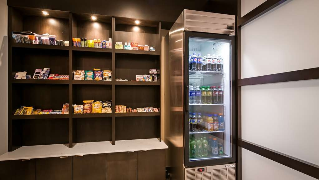 Best Western Premier Denham Inn & Suites - Forget something or in need of a snack?