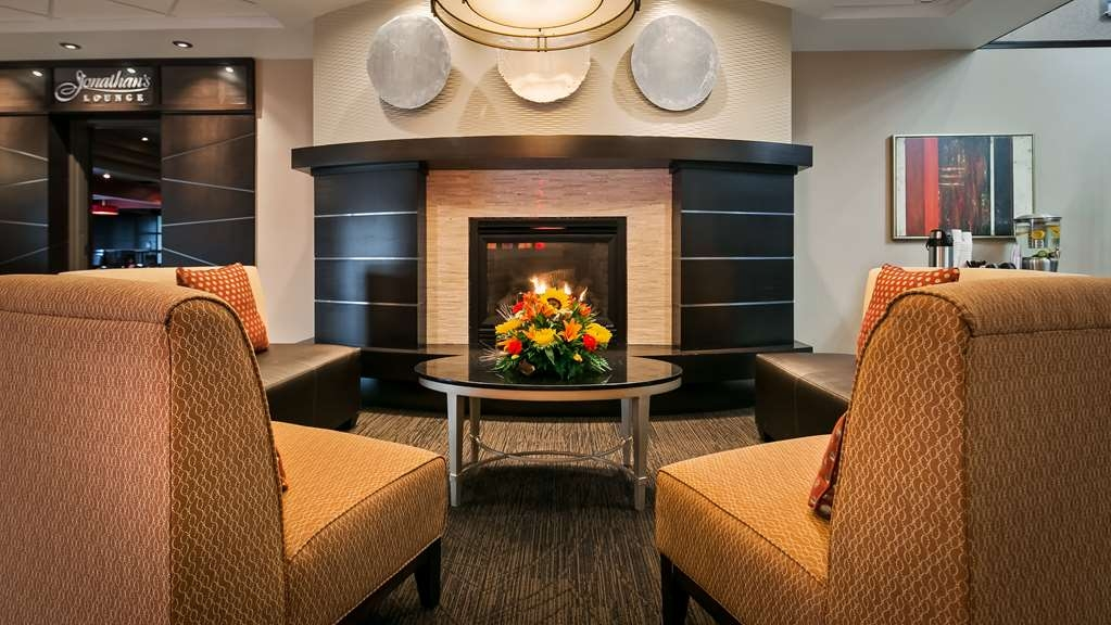 Best Western Premier Denham Inn & Suites - Enjoy a warm & cozy moment!