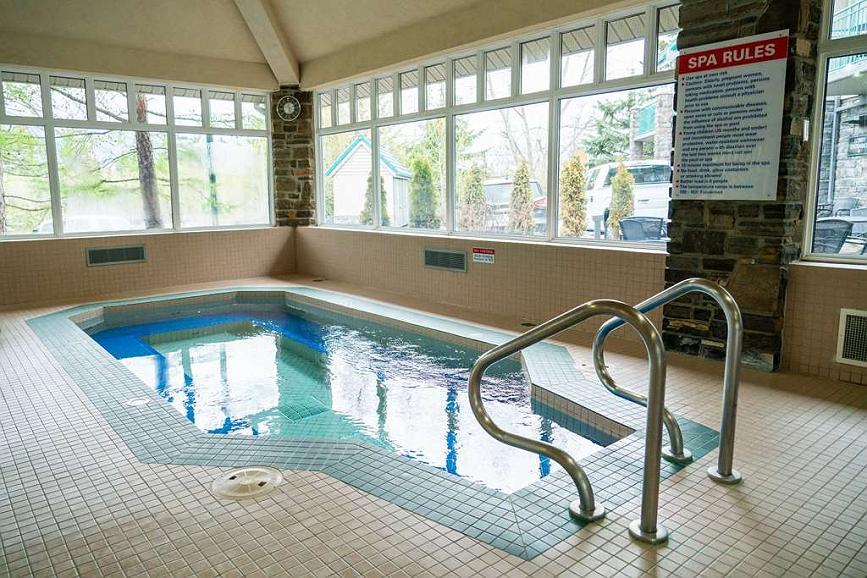 Hotel in Canmore | Best Western Pocaterra Inn