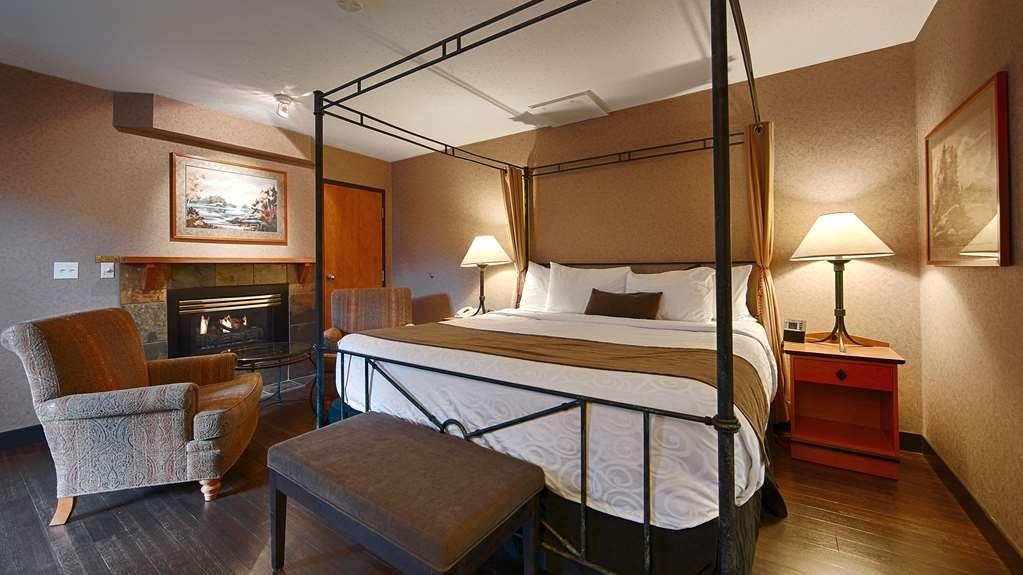 Best Western Pocaterra Inn - Executive Suite