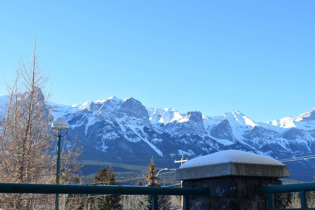 Best Western Pocaterra Inn - Deluxe King Room - Balcony View