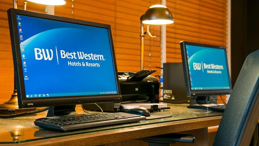 Best Western Pocaterra Inn - Business Centre