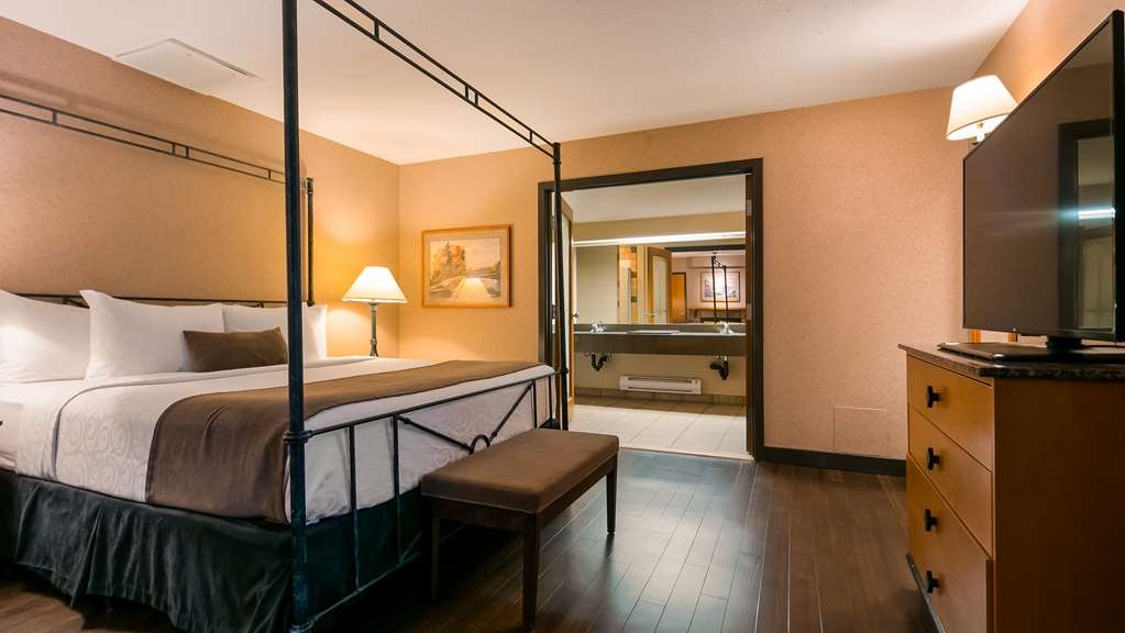 Best Western Pocaterra Inn - Guest Room
