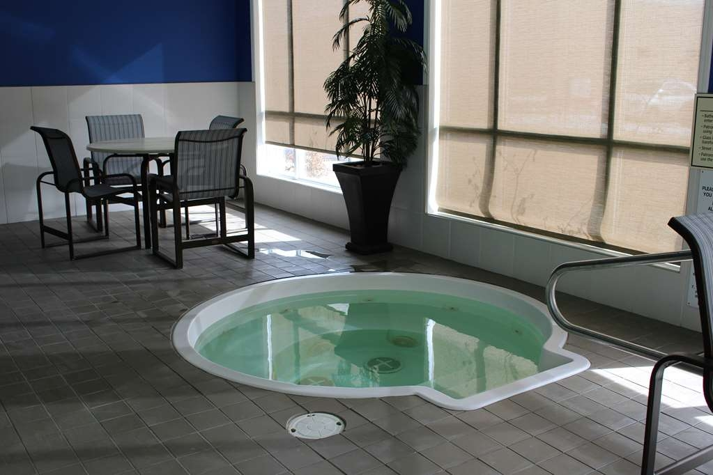 Best Western High Road Inn - Indoor Hot Tub