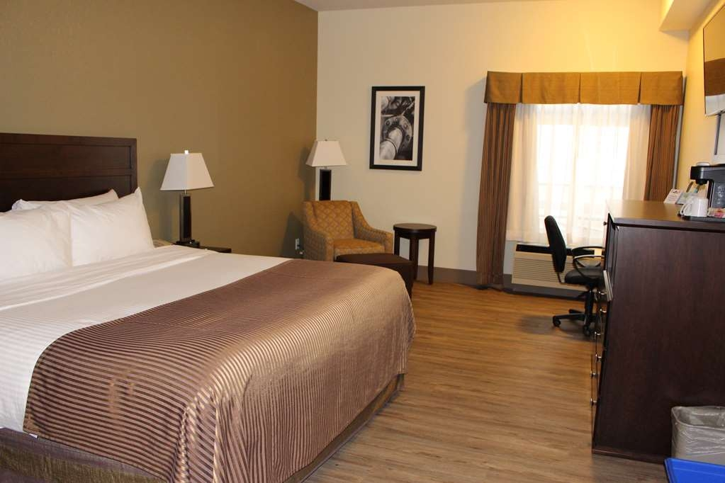 Best Western High Road Inn - King Room with Refrigerator and Microwave