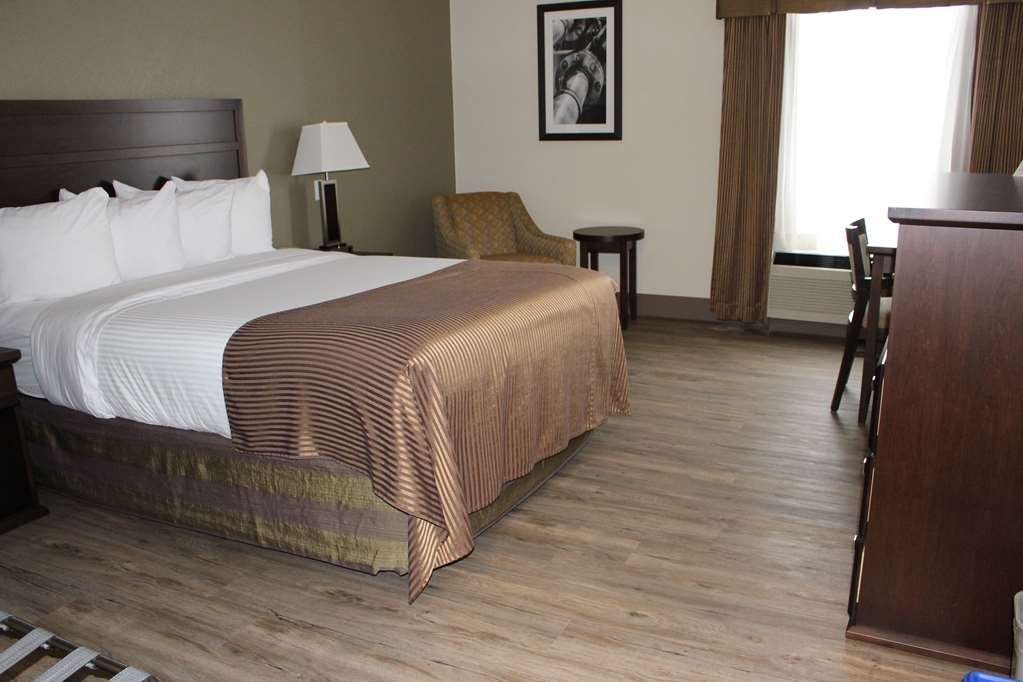 Best Western High Road Inn - One Queen Bed ADA Mobility Accessible or One Queen Mini Suite with In-Room Refrigerator and Microwave