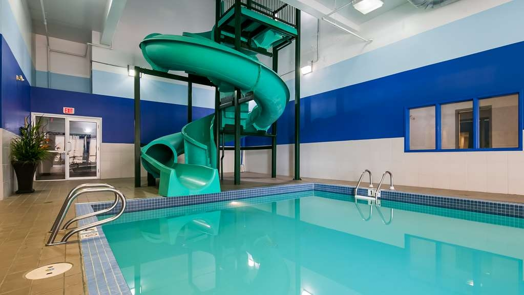 Best Western High Road Inn - Indoor Pool Waterslide